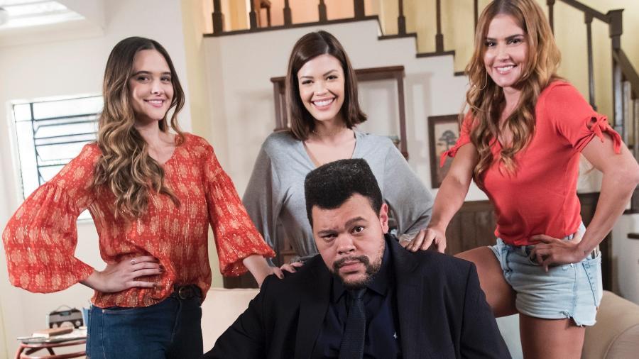 """Nanico (Babu Santana), Alexia/Josimara (Deborah Secco), Luna/Fiona (Juliana Paiva) e Kyra/Cleyde (Vitória Strada) em """"Salve-se Quem Puder"""" - Globo/João Miguel Júnior"""