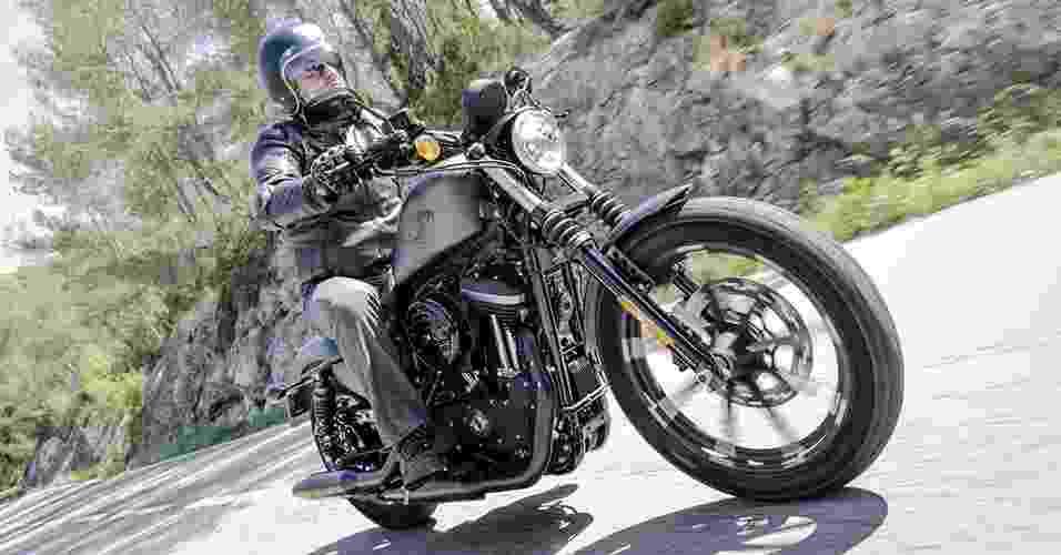 Harley-Davidson Iron 883 2016 - Divulgação