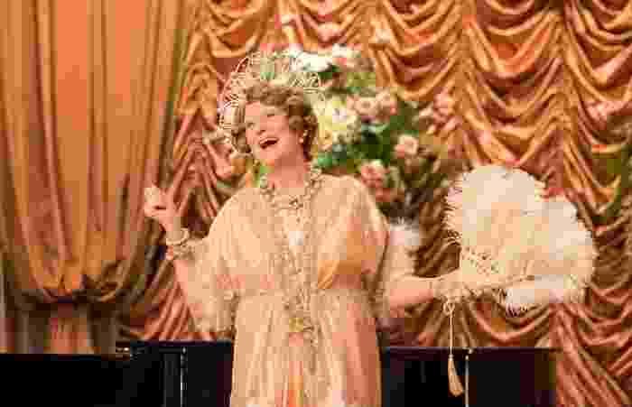 """Cena do filme """"Florence: Quem é Essa Mulher?"""" - Divulgação"""