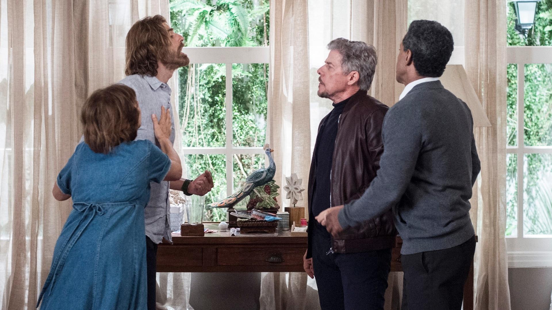 bf06e5e69b Pedro (Reynaldo Gianecchini) se depara com Tião (José Mayer) na pensão de