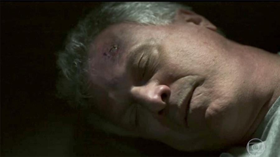 """Pedro Bial, que interpretou ele mesmo em """"Supermax"""", é encontrado morto no último episódio da série - Reprodução/TV Globo"""