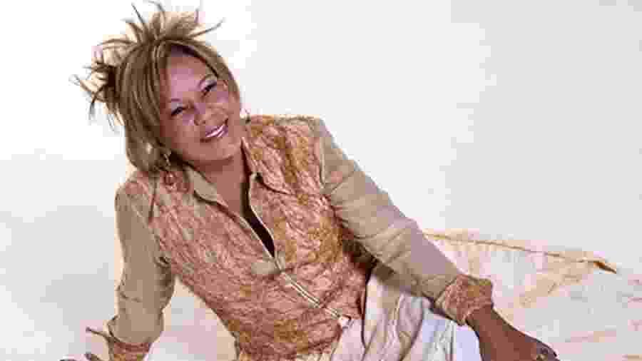 A cantora Loalwa Braz, 63 anos, do grupo de lambada Kaoma, foi encontrada morta dentro de um carro - Divulgação