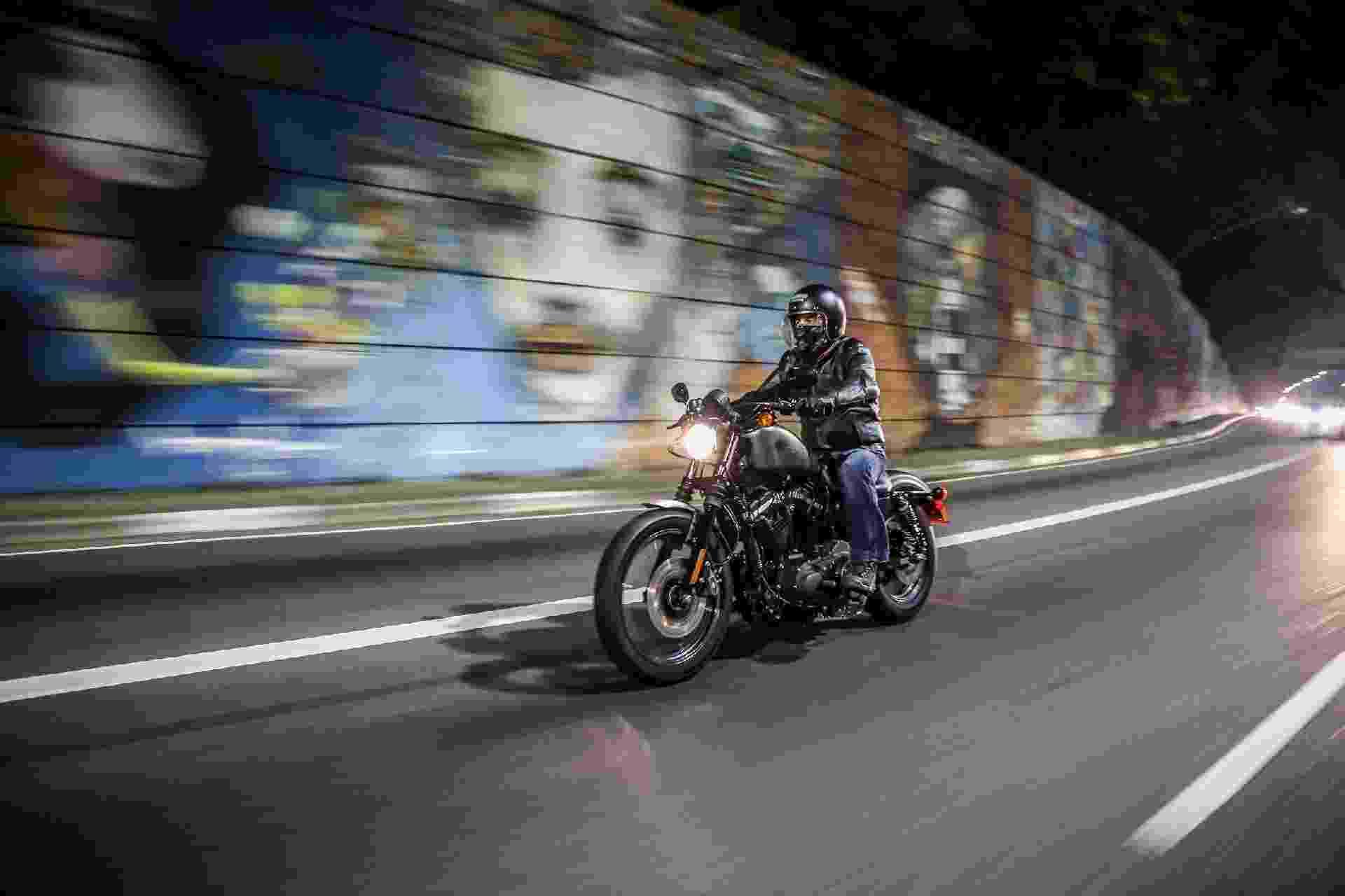 Harley-Davidson Iron 883 em São Paulo - Renato Durães/Infomoto