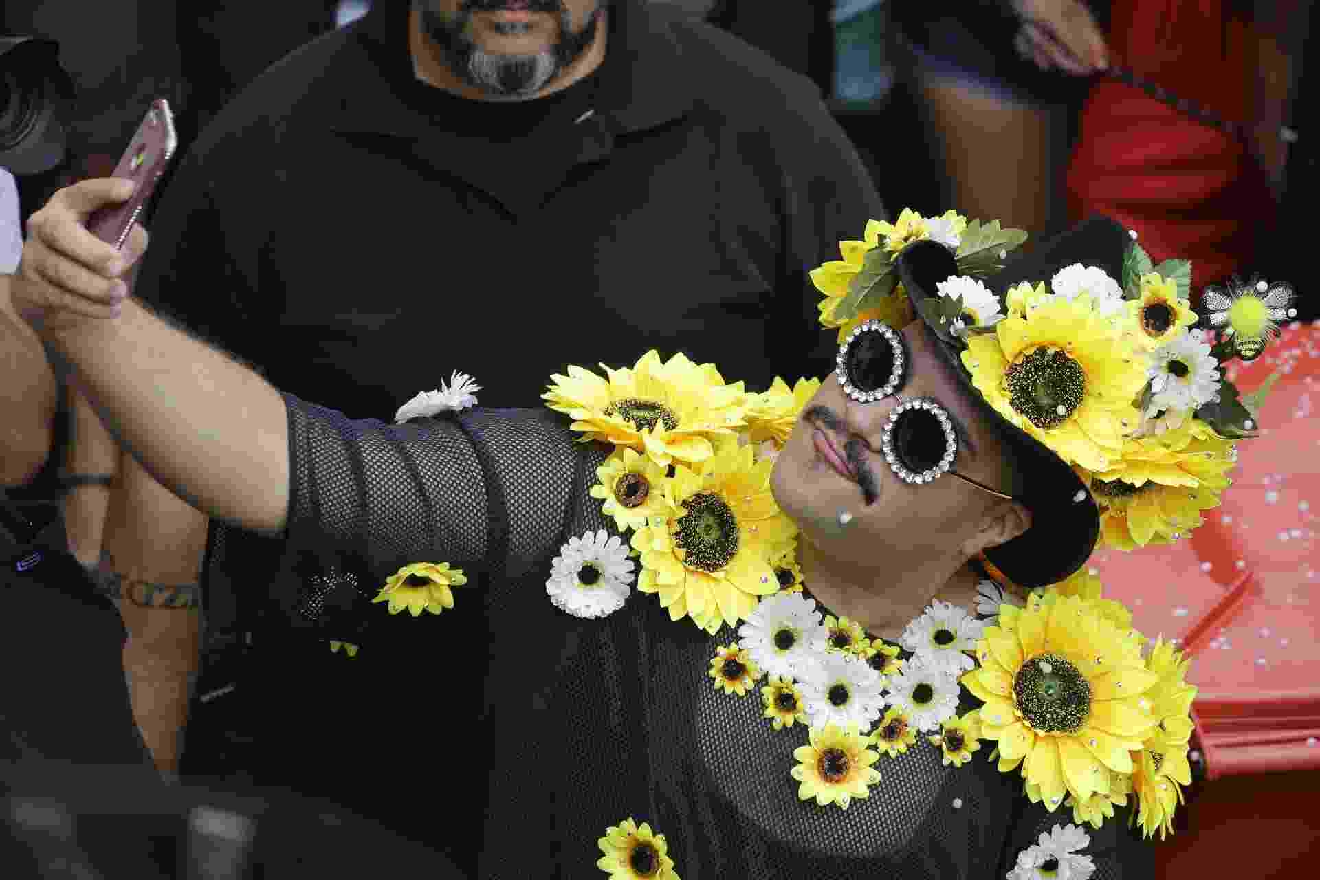 Tiago Abravanel faz Carnaval com Bloco Gambiarra na zona sul de São Paulo - Nelson Antoine/UOL