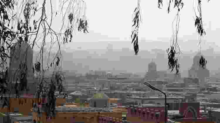 Paisagem da Cidade dos Mortos, cemitério do Cairo onde vivem milhares de pessoas - REUTERS/Amr Abdallah Dalsh