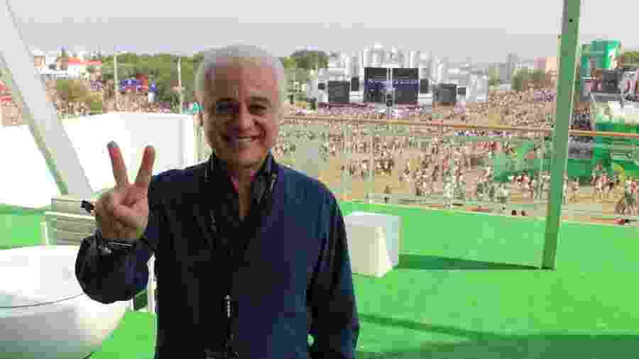 Roberto Medina, presidente do Rock in Rio, posa para fotos na área VIP do festival  - Felipe Branco Cruz/UOL