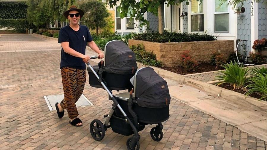 Paulo Gustavo com os filhos gêmeos, Romeu e Gael. - Reprodução/Instagram @paulogustavo31