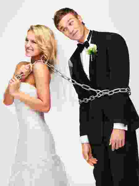 Noivo amarrado para casar: por quê? - iStock