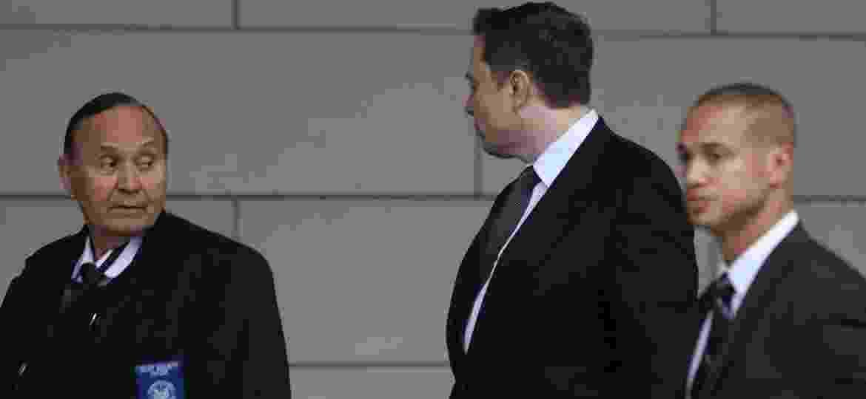 Chefão da Tesla desvia o rosto das câmeras ao chegar a tribunal em Los Angeles; bilionário é acusado de difamação - David McNew/Reuters