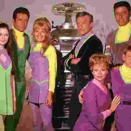"""Elenco original de """"Perdidos No Espaço"""", de 1965; seriado é exibido pela plataforma Oldflix - Reprodução"""