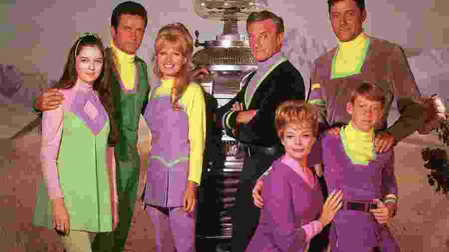 """Elenco original de """"Perdidos No Espaço"""", de 1965; seriado é exibido pela Rede Brasil de TV (canal UHF) - Reprodução"""