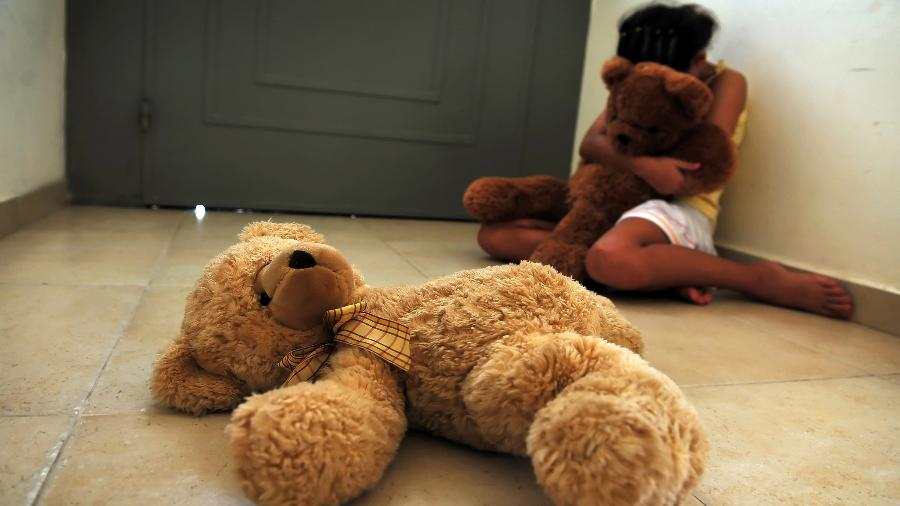 Estupro de vulnerável é cometido, na maioria das vezes, por conhecidos da criança - iStock