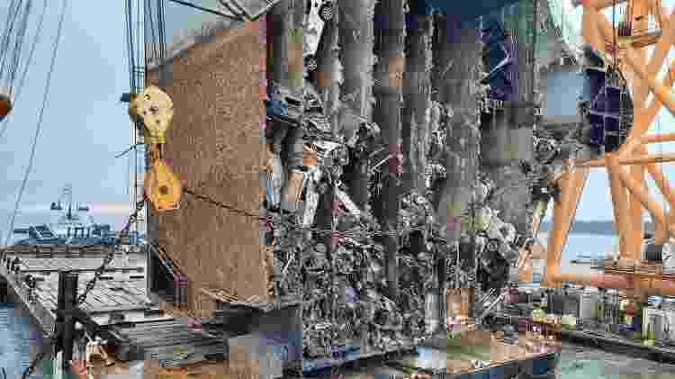 navio tombado 4.200 carros Georgia MV golden Ray naufrágio resgate cargueiro - Divulgação/Equipe de resgate de Saint Simons Sound - Divulgação/Equipe de resgate de Saint Simons Sound