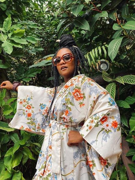 A empresária e jornalista Luiza Brasil conheceu a obra de Sobonfu Somé após terminar um relacionamento e conta que livro a ajudou a entender vida a dois - Reprodução/Instagram