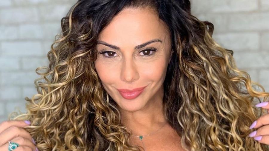 """Atriz e modelo virou assunto após mostrar seu outro instrutor na """"Super Dança"""" - Imagem: Reprodução/instagram@araujovivianne"""