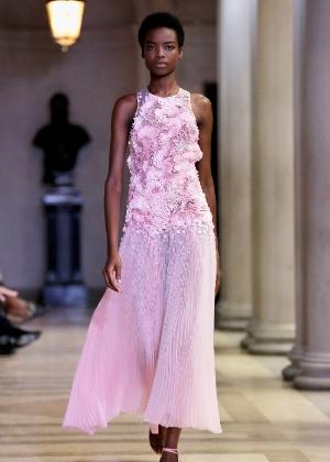 A elegância e o romantismo de Carolina Herrera na Semana de Moda de NY - Getty Images