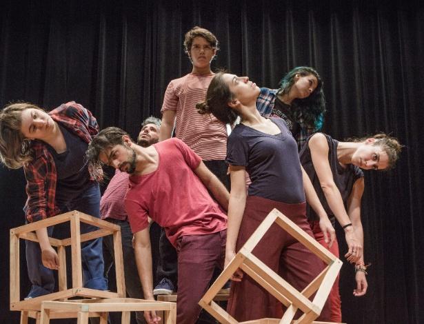 """Cena do espetáculo """"Ramp!"""", adaptação de """"A Megera Domada"""", de Shakespeare - Divulgação"""