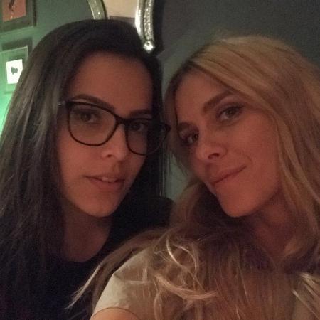 Emilly compartilha foto com Carol Dieckmann e conta que foi tietada pela atriz - Reprodução/Instagram