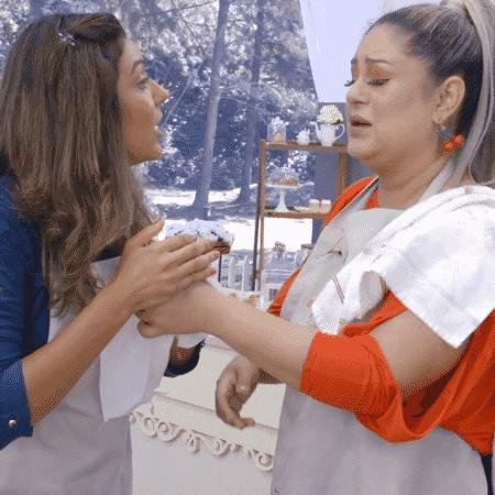 """Débora tenta ajudar Marina e é chamada de """"falsiane"""" no """"Bake Off Brasil"""" - Divulgação/SBT - Divulgação/SBT"""