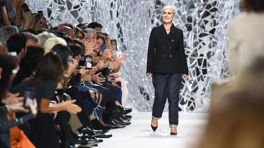 Maria Grazia Chiuri no desfile da Christian Dior - Getty Images