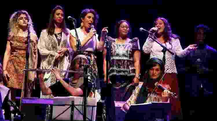A Orquestra Mundana Refugi, formada por artistas brasileiros e imigrantes de diferentes partes do mundo - Daniel Kersys/Reprodução - Daniel Kersys/Reprodução