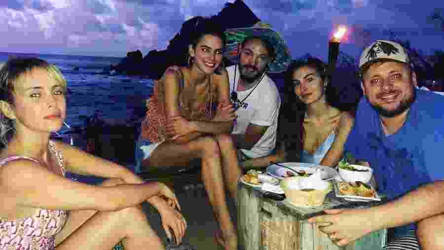 Bruna Marquezine aparece sem aliança e fãs questionam se relacionamento com Neymar segue firme - Reprodução/Instagram