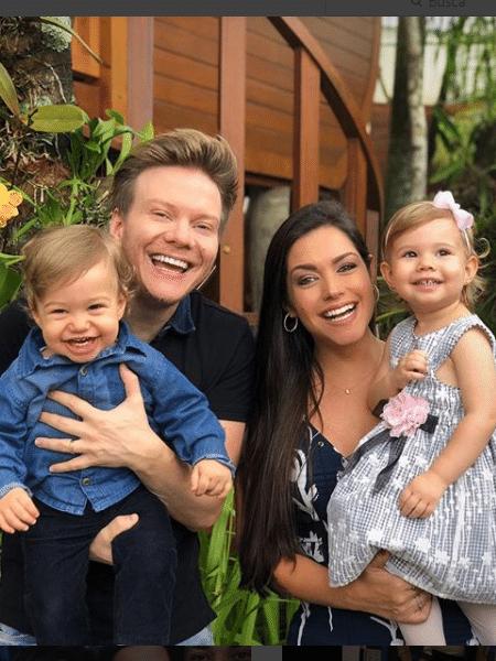 Michel Teló e Thais Fersoza com os filhos, Teodoro e Melinda - Reprodução/Instagram