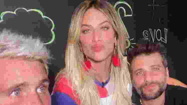 Thiago com a cunhada Giovanna Ewbank e o irmão Bruno Gagliasso antes de a relação azedar - Reprodução/Instagram/@thiagogagliasso