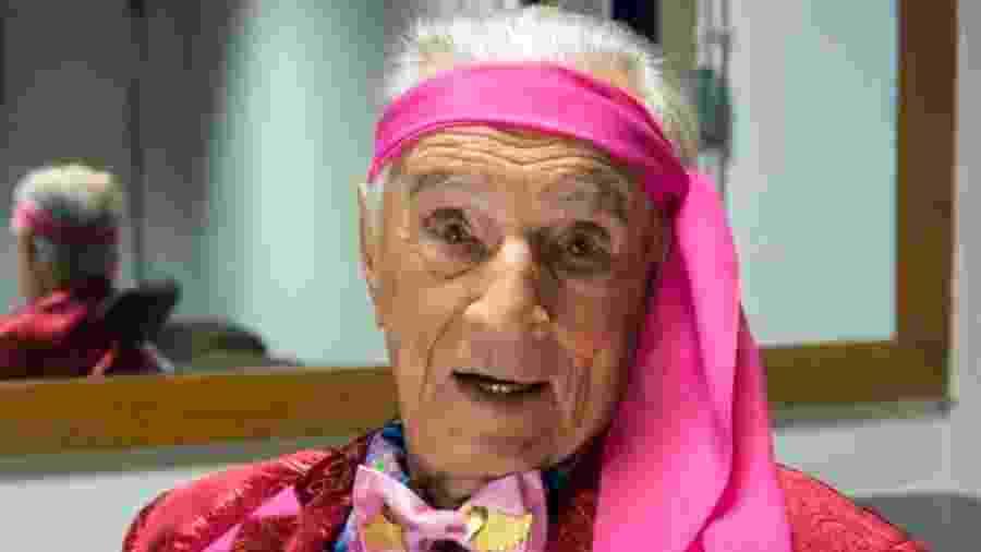 Orlando Drummond, o eterno Seu Peru, completou 100 anos e foi homenageado pela produção do programa - Reprodução/Twitter