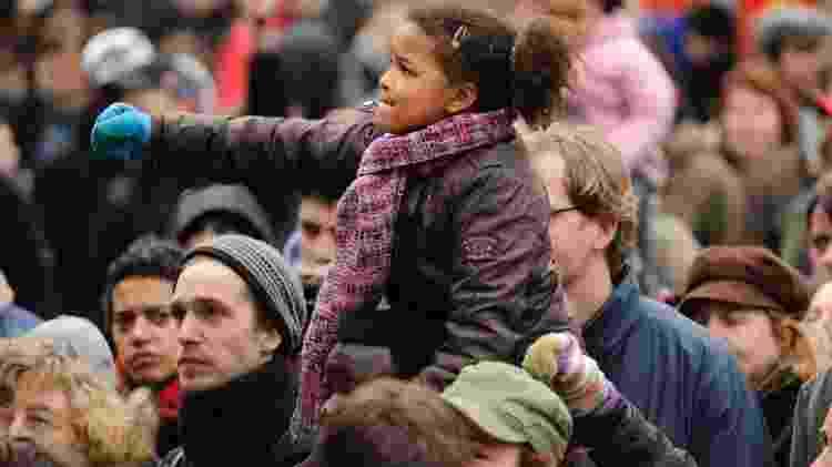 Criança no combate ao racismo  - VLIET/iStock - VLIET/iStock
