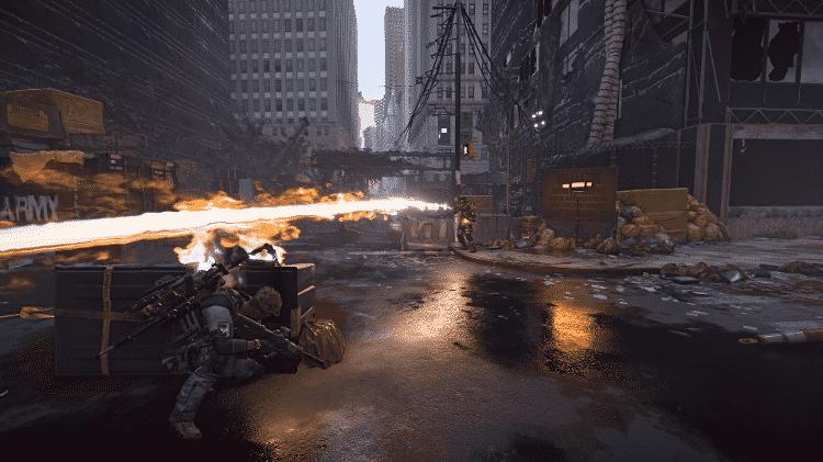 Alguns inimigos usam lança-chama para combater o jogador - Reprodução