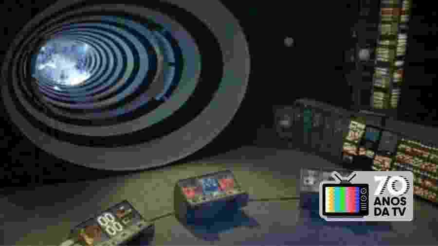 """Cena do seriado americano """"O Túnel do Tempo"""", exibido no Brasil, que inspirou o formato do curso de Gabriel Priolli sobre história da TV - Reprodução"""