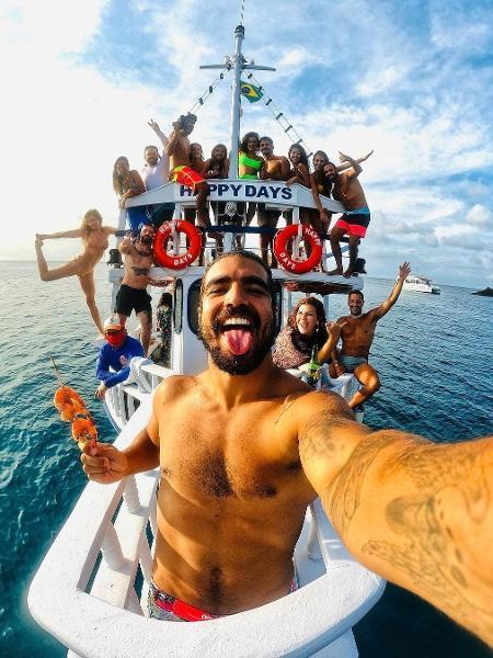 Caio Castro, Grazi Massafera e amigos em Fernando de Noronha - Reprodução/Instagram