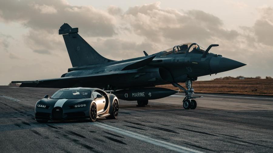 Bugatti Chiron Sport aposta corrida com caça - Divugação