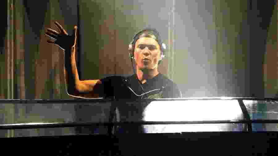 4.dez.2015 - DJ Tiësto foi a atração principal do primeiro dia do festival de música eletrônica EDC (Electric Daisy Carnival), que acontece nesta sexta (4) e termina às 6h do domingo (6), em Interlagos. - Ricardo Matsukawa/UOL