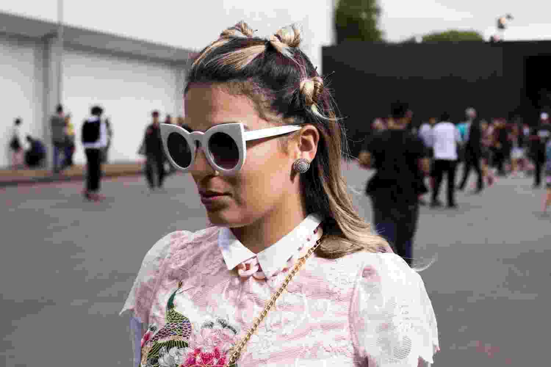 Beleza da rua: mulher com enroladinhos na cabeça spfwtrans42 - Gabriel Quintão/ UOL