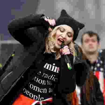 Madonna fez um pequeno show no final da Marcha das Mulheres em Washington, nos Estados Unidos - Reuters