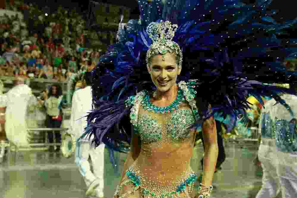 03.mar.2017 - Livia Andrade, madrinha da bateria da Império de Casa Verde, no desfile das campeãs de SP - Amauri Nehn/Brazil News