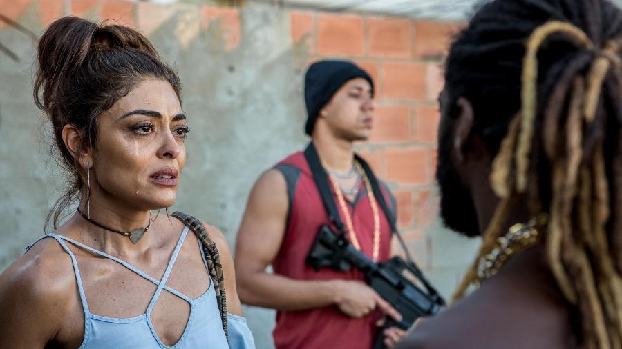 """Bibi (Juliana Paes) procura o chefe do tráfico em """"A Força do Querer"""" - Fábio Rocha/TV Globo"""