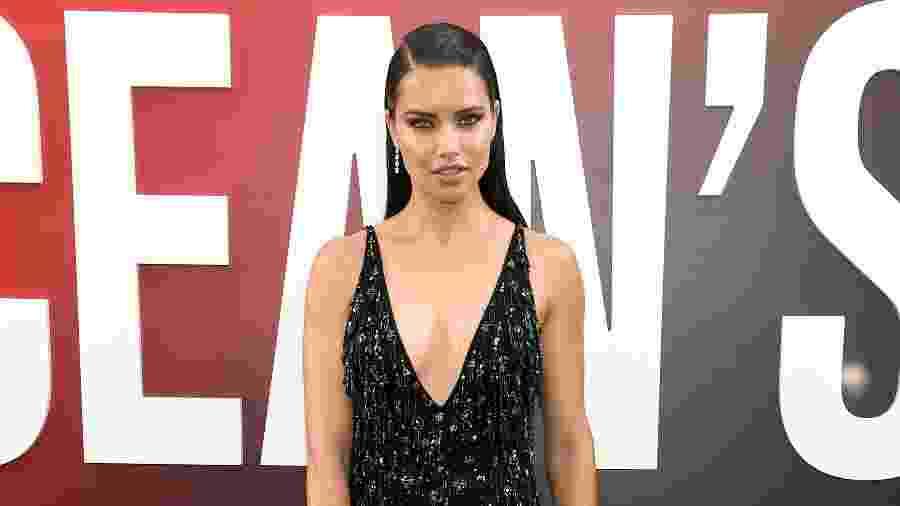 Modelo Adriana Lima foi uma das que caíram na história falsa - Getty Images
