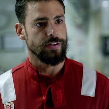 """Cauã Reymond em cena de """"Ilha de Ferro"""" - Divulgação/Globo"""