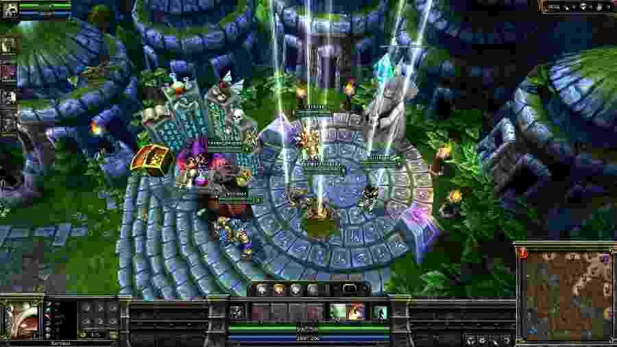 O mapa de League of Legends era bem diferente dez anos atrás - Reprodução