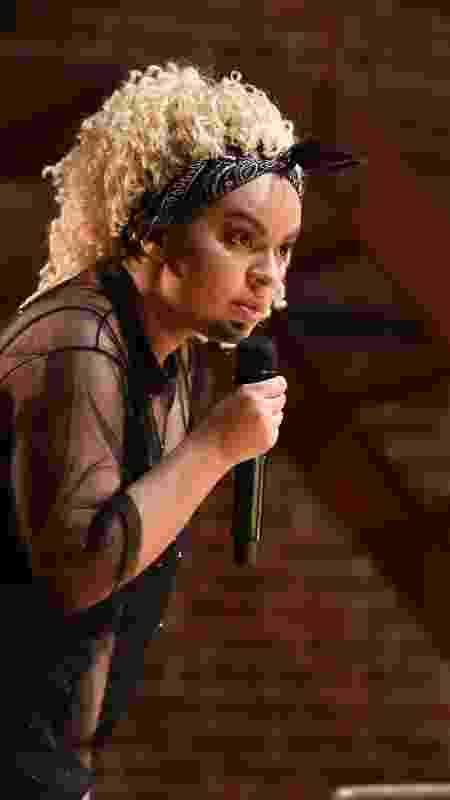 No palco do Comedy Central: ela faz piada com os prórpios transtornos - Arquivo Pessoal