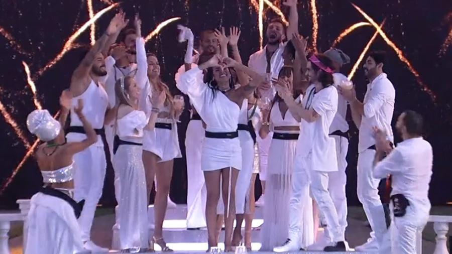 "BBB 21: Pocah se emociona ao ouvir seu hit na festa ""Revéillon BBB"" - Reprodução/ Globoplay"