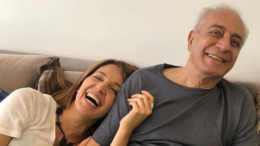 Poliana Abritta posta foto ao lado do pai, que morreu de leucemia - Reprodução