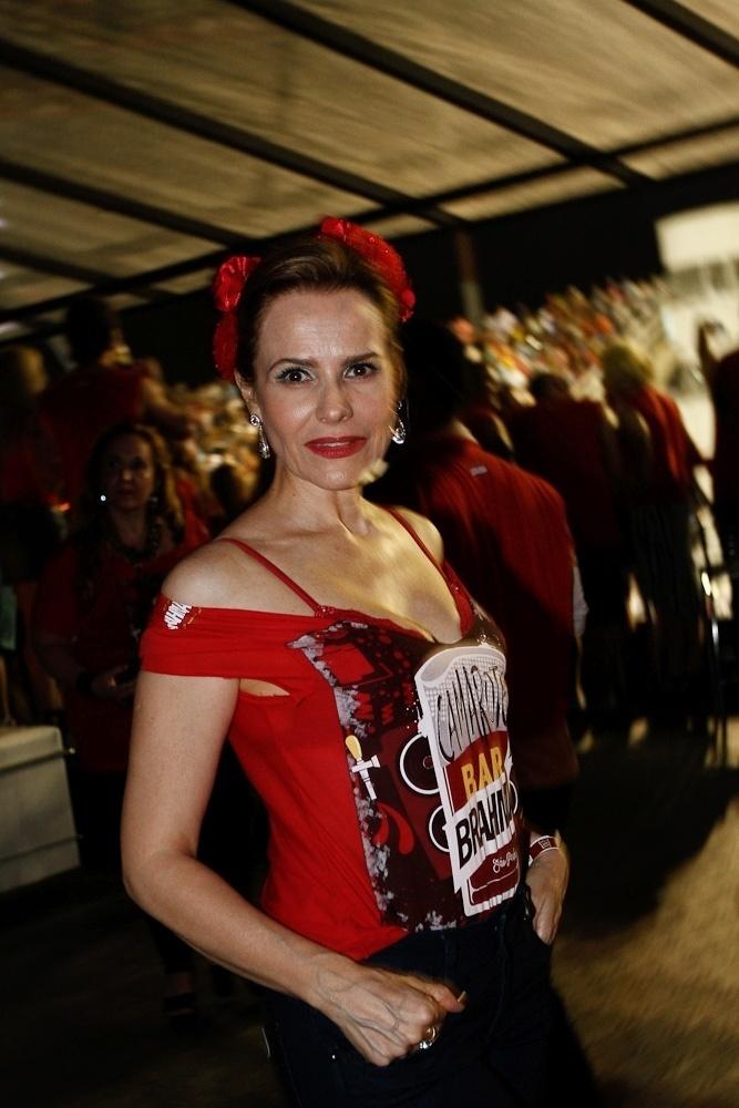6.fev.2016 - A atriz Bia Seidl chega no camarote de São Paulo