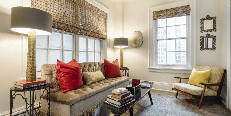 Uma sala reservada, destinada ao lazer e ao descanso faz parte da cobertura de Uma Thurman, colocada à venda por R$ 22 milhões, em Nova York