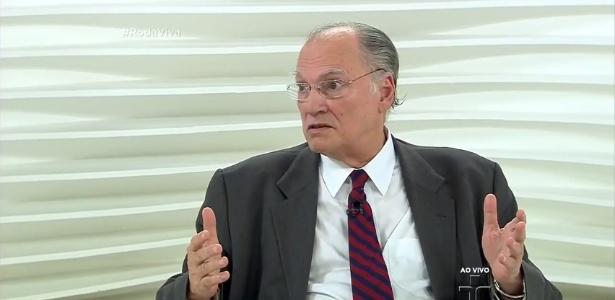 """Ministro da Cultura Roberto Freire critica veto de Chico Buarque a música no """"Roda Viva"""" - Reprodução/TV Cultura"""