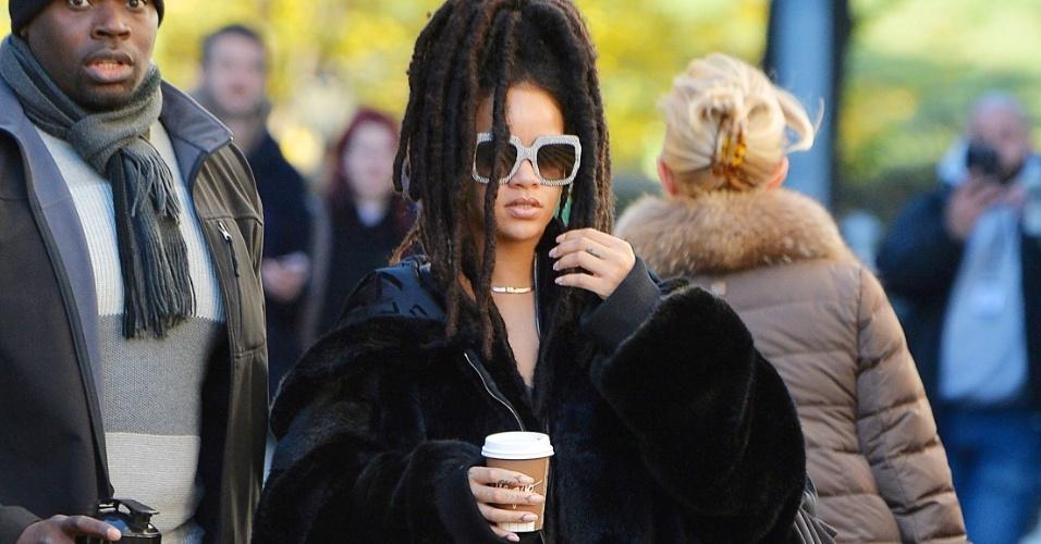"""Rihanna nos bastidores de filmagem de """"Ocean's Eight"""", versão feminina de """"Onze Homens e Um Segredo"""""""