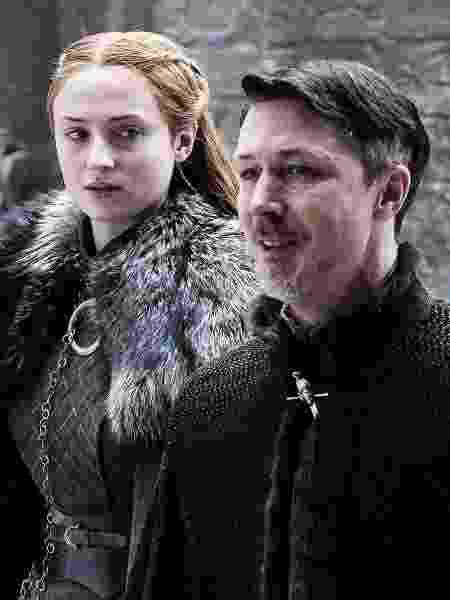 """Sansa Stark e Mindinho andam por Winterfell em cena do terceiro episódio da sétima temporada de """"Game of Thrones"""" - Divulgação/HBO  - Divulgação/HBO"""